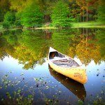 canoe-49179_640